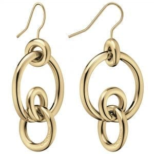 Calvin Klein Clink Gold PVD Stainless Steel Earrings KJ9PJE100200This Calvin Klein Clink Gold PVD Stainless Steel Earrings KJ9PJE100200 is a perfect piece of jewellery for the ladies. The earrings is made from stainless steel with a gold PVD coloured plating. The pendant compromises offour interlocked rings with an engraved Calvin Klein logo.Key Features:Clink FamilyGold Coloured PVDStainless Steel MaterialThe Brand: Calvin KleinCalvin Klein is one of the truly iconic cultural forces to emerge from the twentieth century. Based on bold, progressive thinking and seductively minimal aesthetic, the company was founded as a Manhattan coat shop by its namesake in 1968, and has since become a global lifestyle phenomenon. In line with this design mission is Calvin Klein's range of timepieces. Defined by their trademark simplicity and constantly evolving to match contemporary trends, the collection allows the wearer to sport a fashion legend proudly on their wrist.