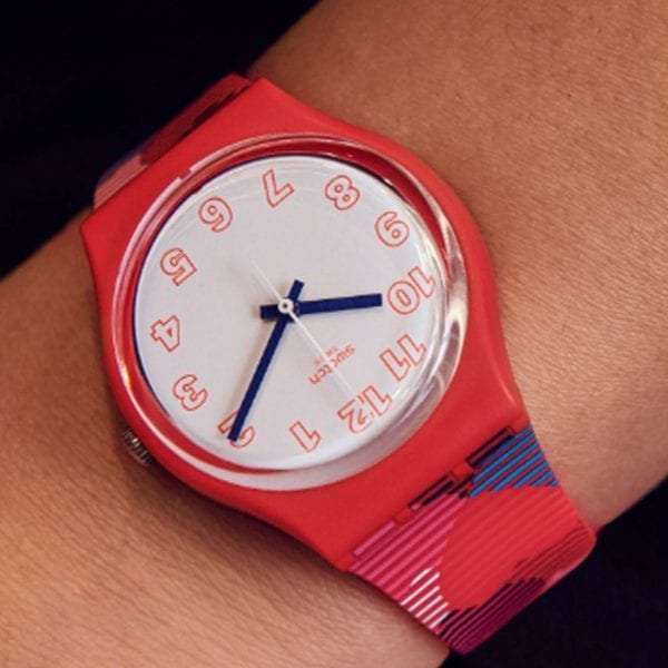 Swatch Heart Lots Quartz White Red Heart Silicone Strap Watch GR182 RRP £54
